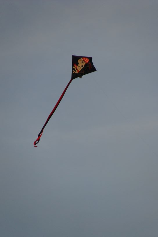 Drachen mit Piratenmotiv