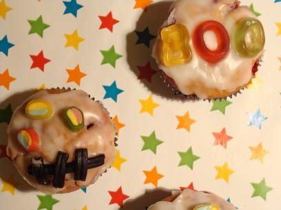 Muffins mit Gesichtern wie Gespenster