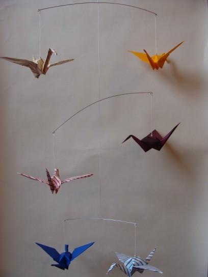 Mobile mit Origami-Kranichen