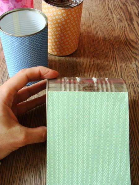 Dose mit Papier bekleben