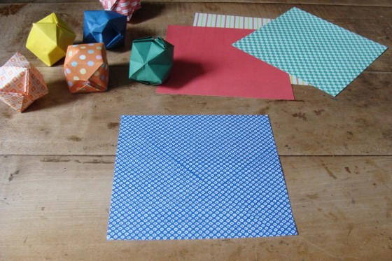 Ein Blatt Origamipapier