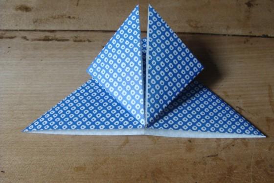 Origamiblatt Ecken nach oben gefaltet