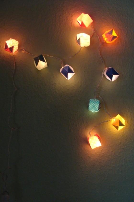 Lichterkette mit Origamibälle