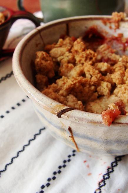 Rhababer- Erdbeer- Crumble