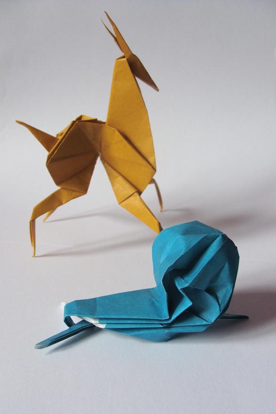 Origami Antilope und Schnecke